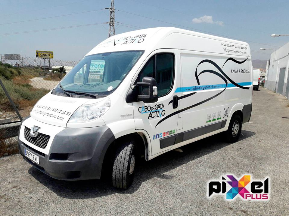 Rotulación furgonetas Cabo de Gata Activo. Diseño, impresión Pixel Plus