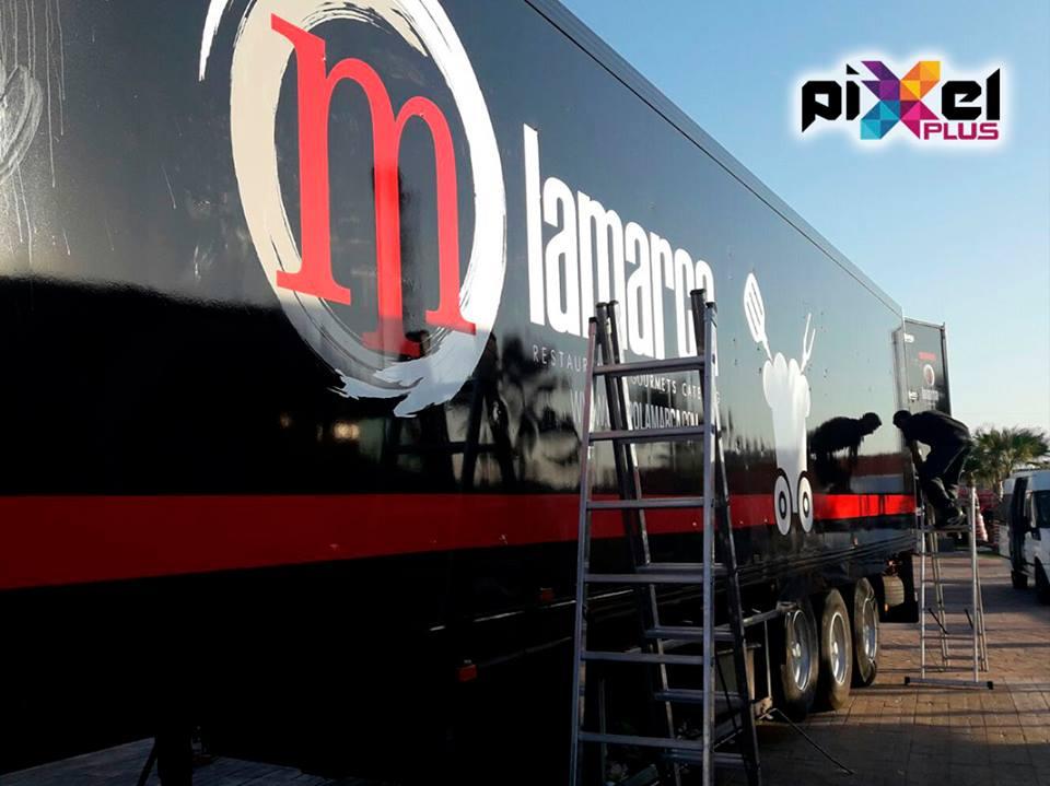 Rotulación camiones Grupo Lamarca. Diseño y montaje por Pixel Plus