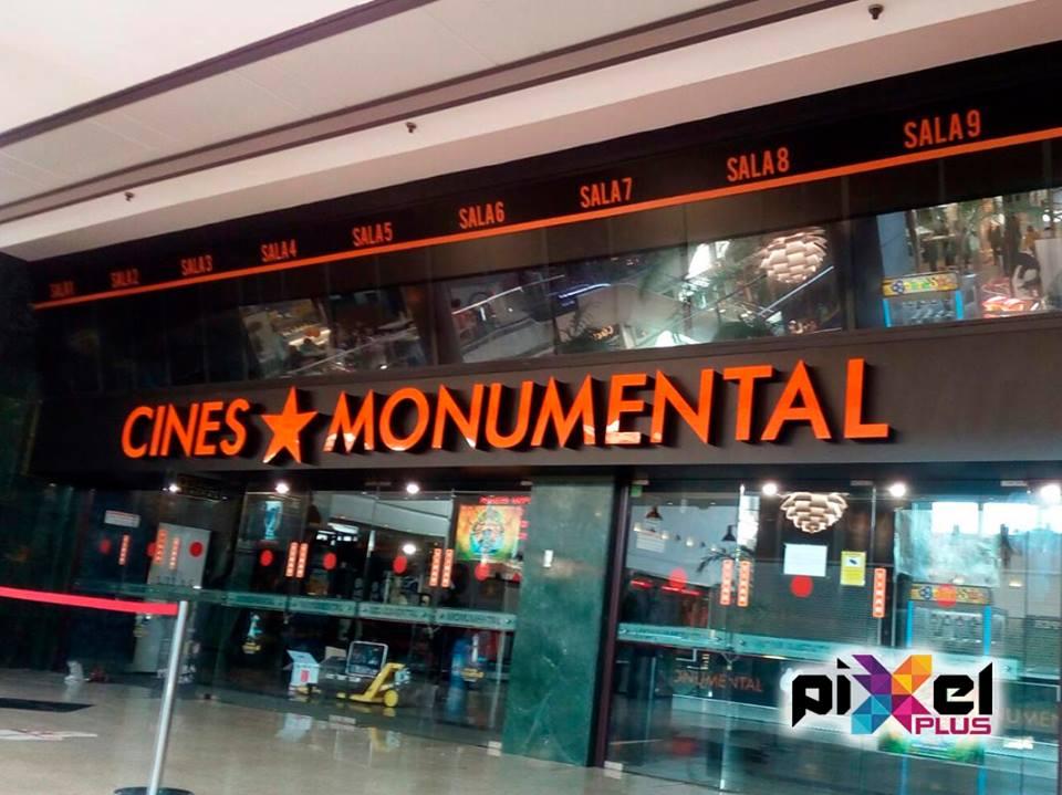 Cambios Cine Monumental. Diseño, producción, rotulación por Pixel Plus